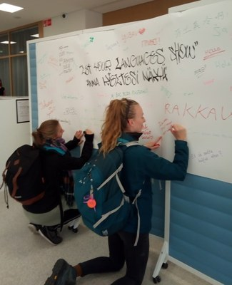 Secret languages and self-expression by the Graffiti wall on Researchers' Night 28.9.2018