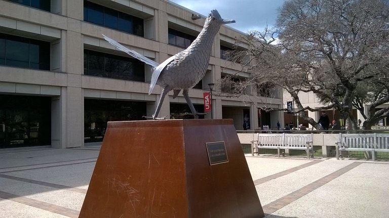 The Roadrunner statue in the Main Campus.jpg